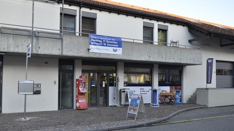 Bis Ende 2019 führte Aargau Verkehr am Bahnhof Gränichen noch einenBilletschalter mit Kiosk. (Daniel Vizentini (10.12.2019))