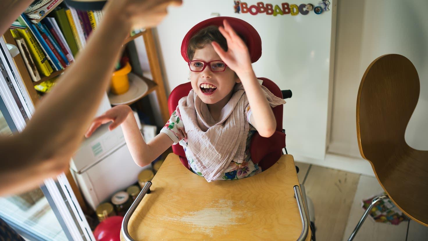 Kinder mit Beeinträchtigungen brauchen mehr Betreuung und Pflege – nur wenige Institutionen bieten das. (Bild: Getty)