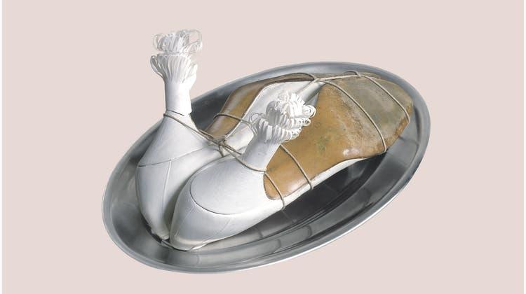 Meret Oppenheims berühmte Pelztasse wird dieses Jahr 85. (Bild: Getty)