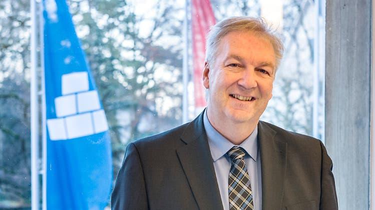 Hansjörg Wilde, Gemeindepräsident von Riehen, startet eine neue Firma für Arbeitsmarktkontrollen. (Archivbild: Kenneth Nars)
