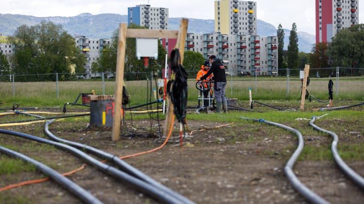 Seit einem halben Jahr laufen die Arbeiten auf einem Testfeld desSolothurner Stadtmists. (Hanspeter Bärtschi)