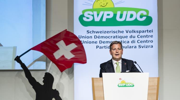 SVP-Präsident Marco Chiesa will die Delegierten heute auf einen Feldzug gegen die städtischen Zentren einschwören. (Archivbild) (Keystone)