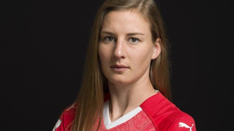 Diebisher wichtigsten Spiele von Julia Stierli (rechts) in der Nati: Die EM-Barrage gegen Tschechien. (Sven Thomann/Freshfocus)