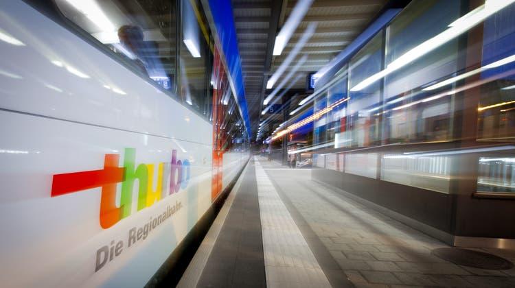Der Thurbofährt am Wochenende im Zweistundentakt nach Bregenz und Lindau. (Bild: Chris Mansfield)