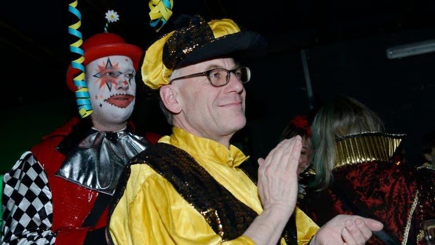 Kofmehl Drummgugulalapfiff: Kurt Fluri hat füreinmal das Kostüm gewechselt. (Hansjörg Sahli)