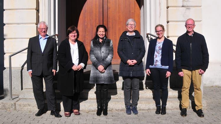Der Ausschuss (neu: Vorstand) setzt sich zusammen aus Thomas Stutz, Monique Rudolf von Rohr, Elisabeth Ambühl-Christen, Erika Schranz, Antje Kirchhofer-Griasch und Dieter Berthoud (von links). (Bild: Beat Wyttenbach)