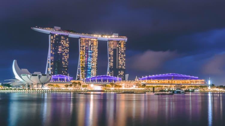 Glitzerstadtstaat mit vielen Expats: Singapur öffnet seine Grenzen für geimpfte Reisende aus der Schweiz. (Harish Shivaraman / Unsplash.com)