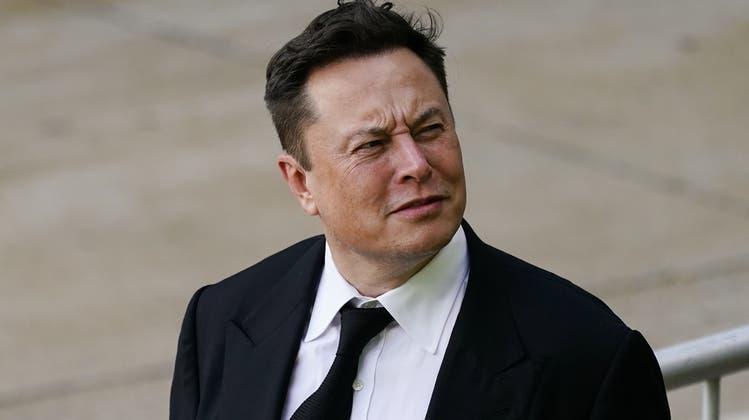 Einst belächelt, nun unter den Allergrössten: Elektroautohersteller Tesla (Keystone)