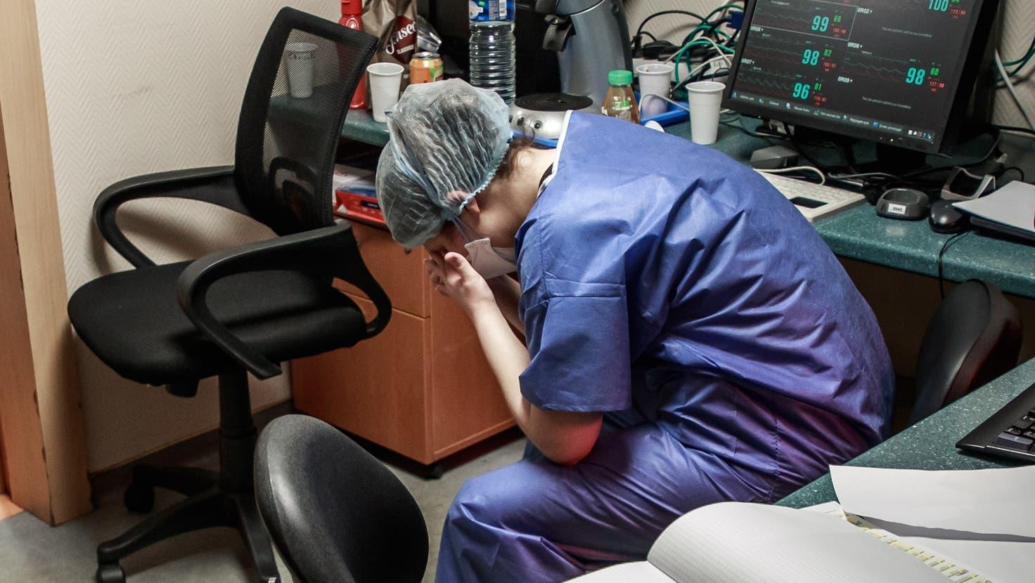 Müdigkeit und Erschöpfung gehören zu den häufigsten Long-Covid-Symptomen – auch beim Gesundheitspersonal. (Symbolbild) (Bild: Keystone)