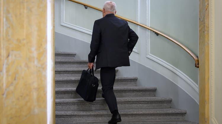 Der Anteil der älteren Arbeitnehmer ist stark gestiegen. Bundesrat Ueli Maurer arbeitet auch noch mit 70 Jahren. (Keystone)