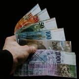 Mehr als 330 Politiker sollen laut den Pandora Papers ihr Geld in Briefkastenfirmen gesteckt haben. (Unsplash)