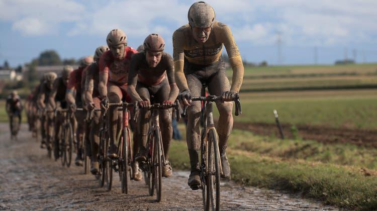 Das Rennen entwickelte sich bisweilen zu einer Schlammschlacht. (Keystone)