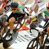 Stefan Küng (l.) undThery Schir an der Bahn-EM 2015 in Grenchen. Beide Fahrer fehlen dieses Jahr im Aufgebot von Swiss Cycling. (KEYSTONE)
