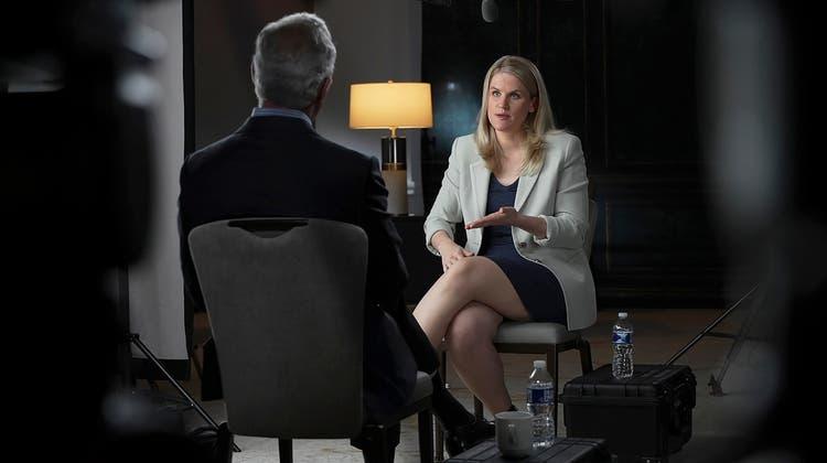 Brachte den Stein ins Rollen: Facebook-Whistleblowerin Frances Haugen, hier im Interview mit dem US-Fernsehnetzwerk CBS. (Keystone)
