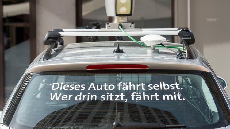 Selbstfahrende Autos dürften sich in Zukunft wohl immer mehr durchsetzen. (Symbolbild) (Keystone)