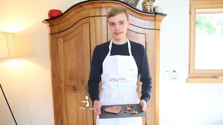Investiert nebst der Schule viel Zeit in seinen Shop: Tim Steiger (16). (Larissa Gassmann)