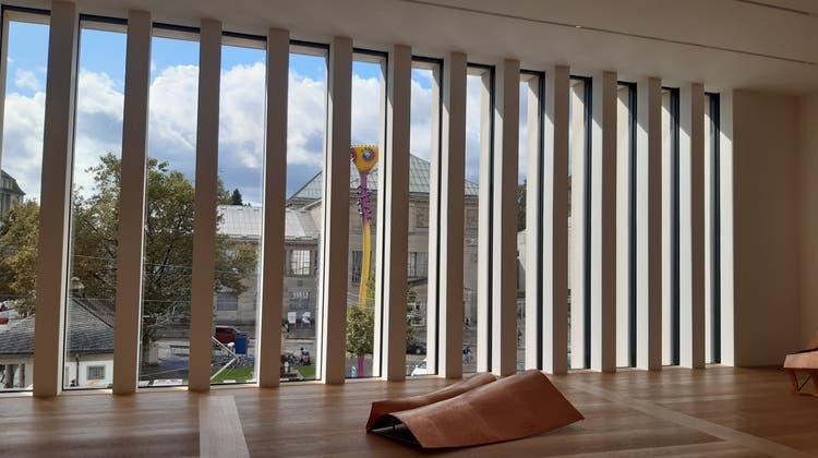 Alt und neu sind auch optisch verbunden: Blick aus dem neuen Chipperfield-Bau auf das 1910 eröffnete Kunsthaus von Karl Moser. (Matthias Scharrer)