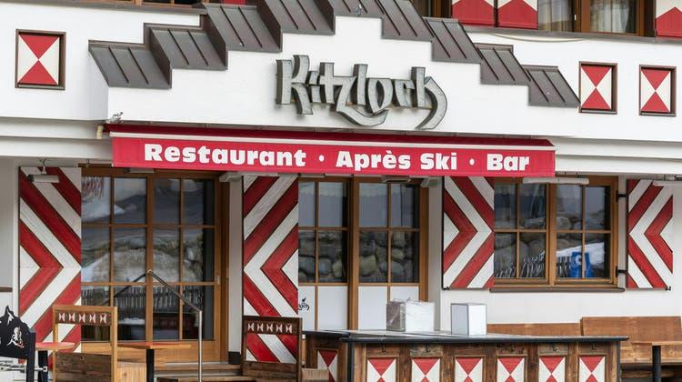 Ein Kellner der Après-Ski-Bar wurde als Erster im Ort positiv auf Corona getestet. Seitdem ist das Restaurant weltbekannt. (Bild: Keystone)