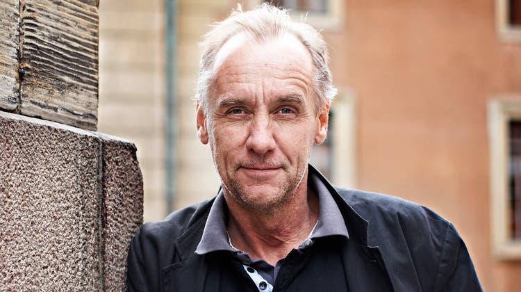Håkan Nesser (71) verbindet literarische Qualitäten mit lockerem Schreibstil. (zvg)