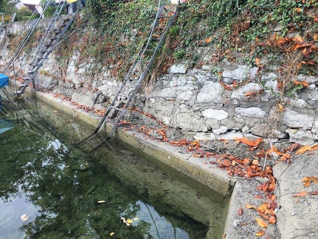 Die Sandsteinmauer ist stärker beschädigt als gedacht.