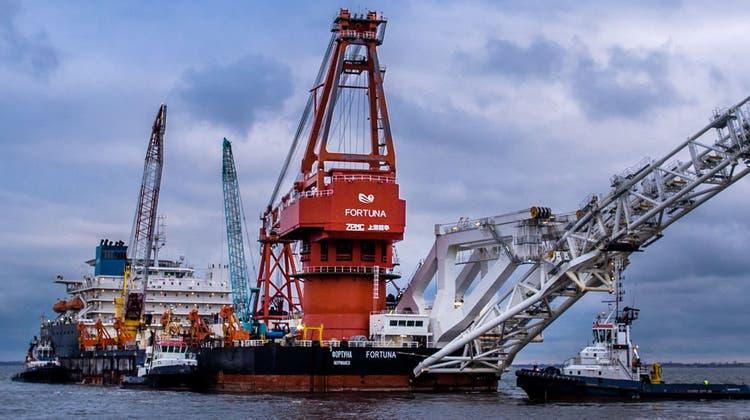 Das russische Spezialschiff Fortuna auf dem Weg zur Verlegung der Pipeline Nord Stream 2 vor der deutschen Ostseeküste. (Bild: Jens Büttner/Keystone (Wismar, 14. Januar 2021))