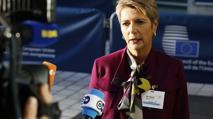 «Grenzschutz muss verhältnismässig und ohne Gewalt sein»: Bundesrätin Karin Keller-Sutter beim Treffen der EU-Innenminister in Luxemburg. (Keystone)
