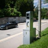 Die Kantonspolizei publiziert die Standorte ihrer mobilen Blitzer im Internet. (Benjamin Manser)