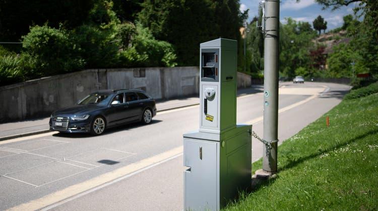 Die Kantonspolizei St.Gallen publiziert die Standorte ihrer mobilen Blitzer im Internet. (Bild: Benjamin Manser)