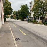 Die Wohler Friedhofstrasse ist stark sanierungsbedürftig. Nun ist ein Projekt ausgearbeitet worden. (Marc Ribolla)
