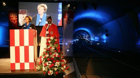 Der Kirchenwaldtunnel A2 und der Verbindungstunnel auf die A8 wurden mit einem Festakt eröffnet. Im Bild: Lisbeth Gabriel, Regierungsrätin NW, Baudirektion.Fotografiert am 18. Dezember 2008 in Stansstaad.(NeueLZ/Manuela Jans) (Manuela Jans  (neue Lz) / Neue Luzerner Zeitung)