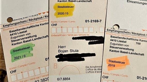 Nur wer zu farbigen Markern greift, behält bei den Steuerrechnungen die Übersicht. (Bojan Stula / bz Zeitung für die Region)