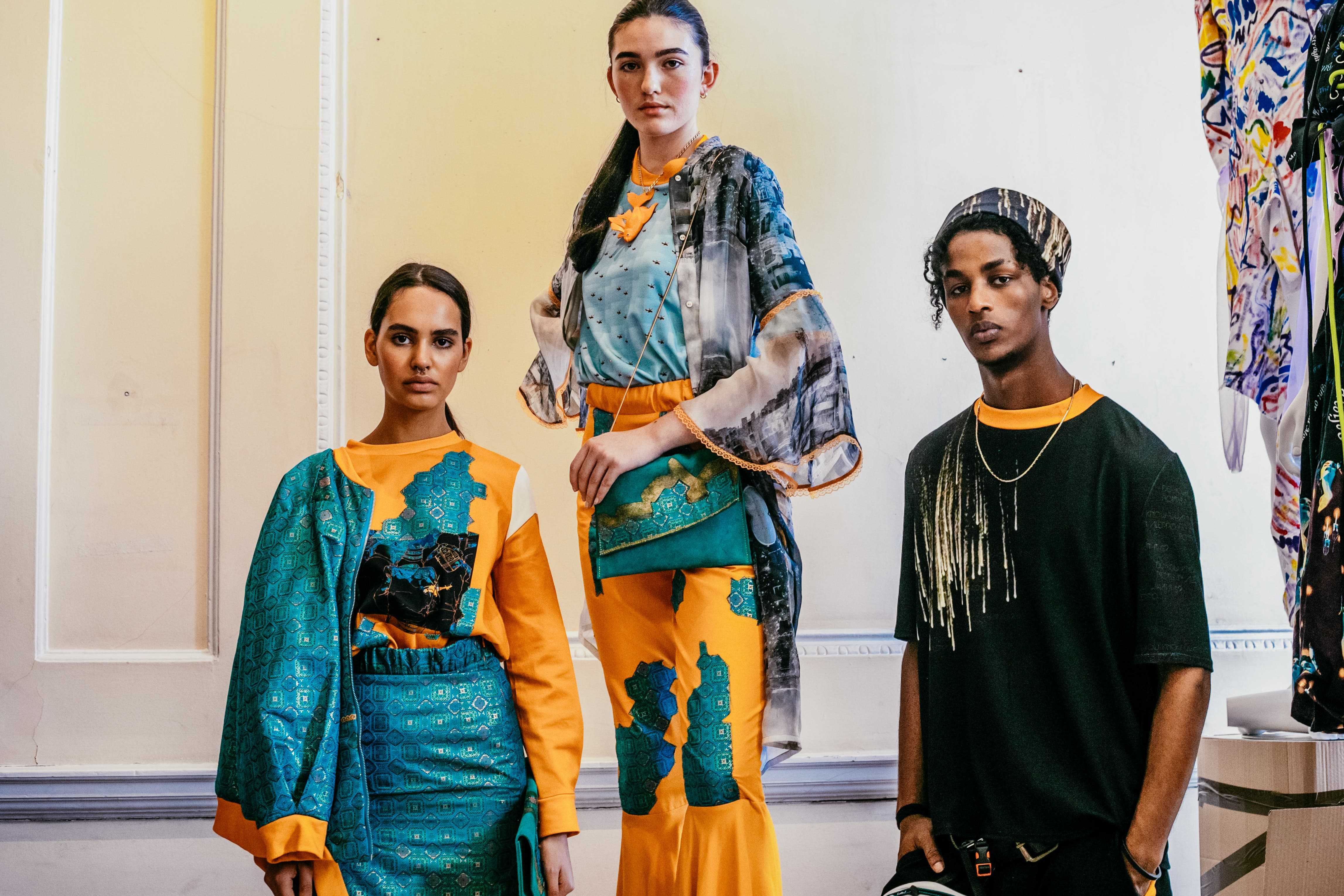 In ihrer neuen Kollektion macht Modedesignerin Ramona Erb auf die Regenwaldbrände im Amazonasgebiet aufmerksam.