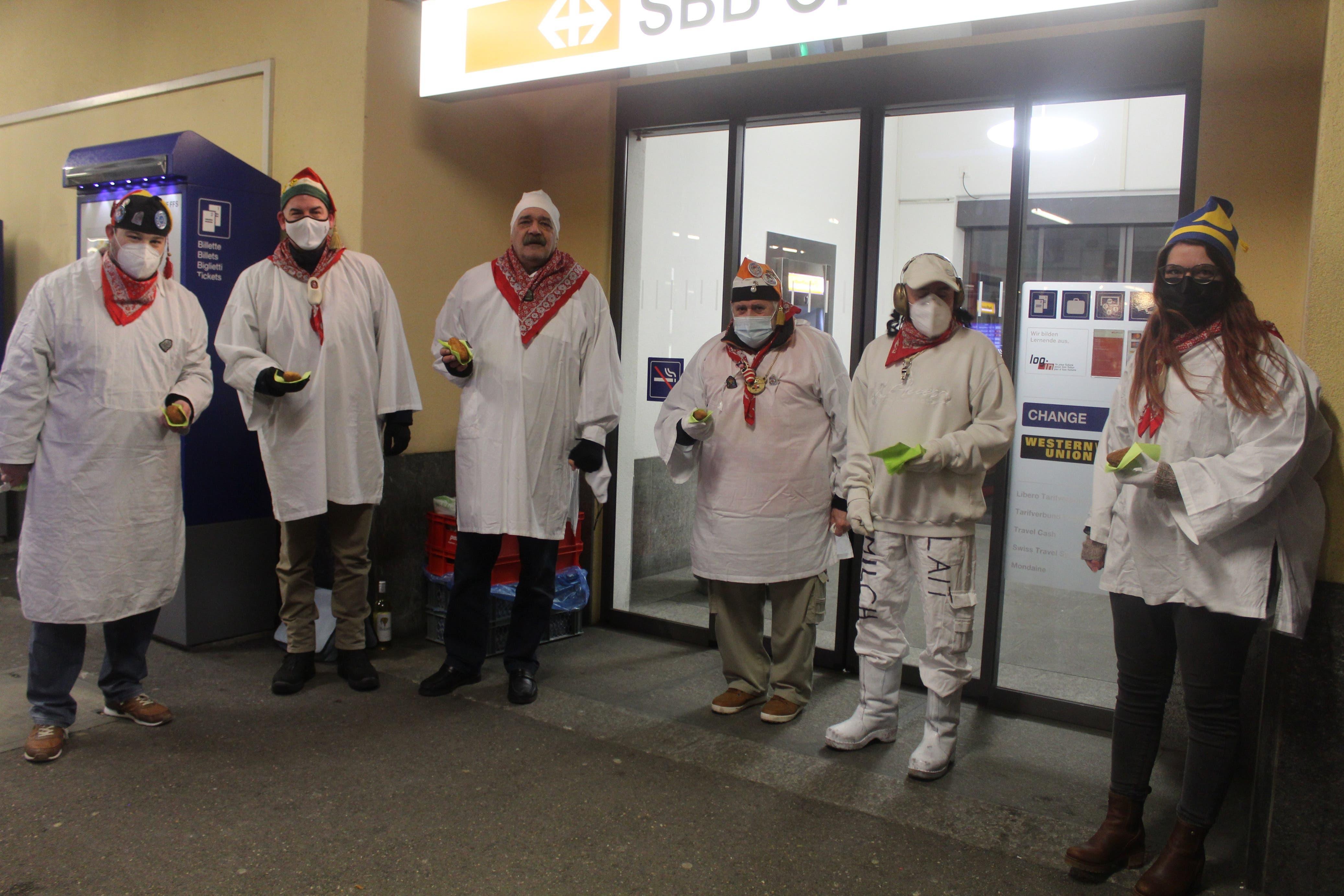Das Chessler-Team findet sich beim Südbahnhof ein
