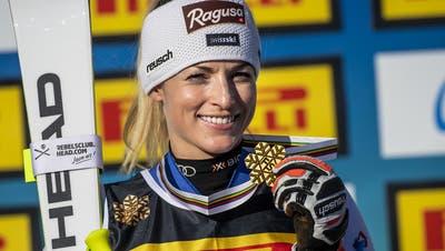 Voller Stolz präsentiert Lara Gut-Behrami ihre Goldmedaille. (Keystone)