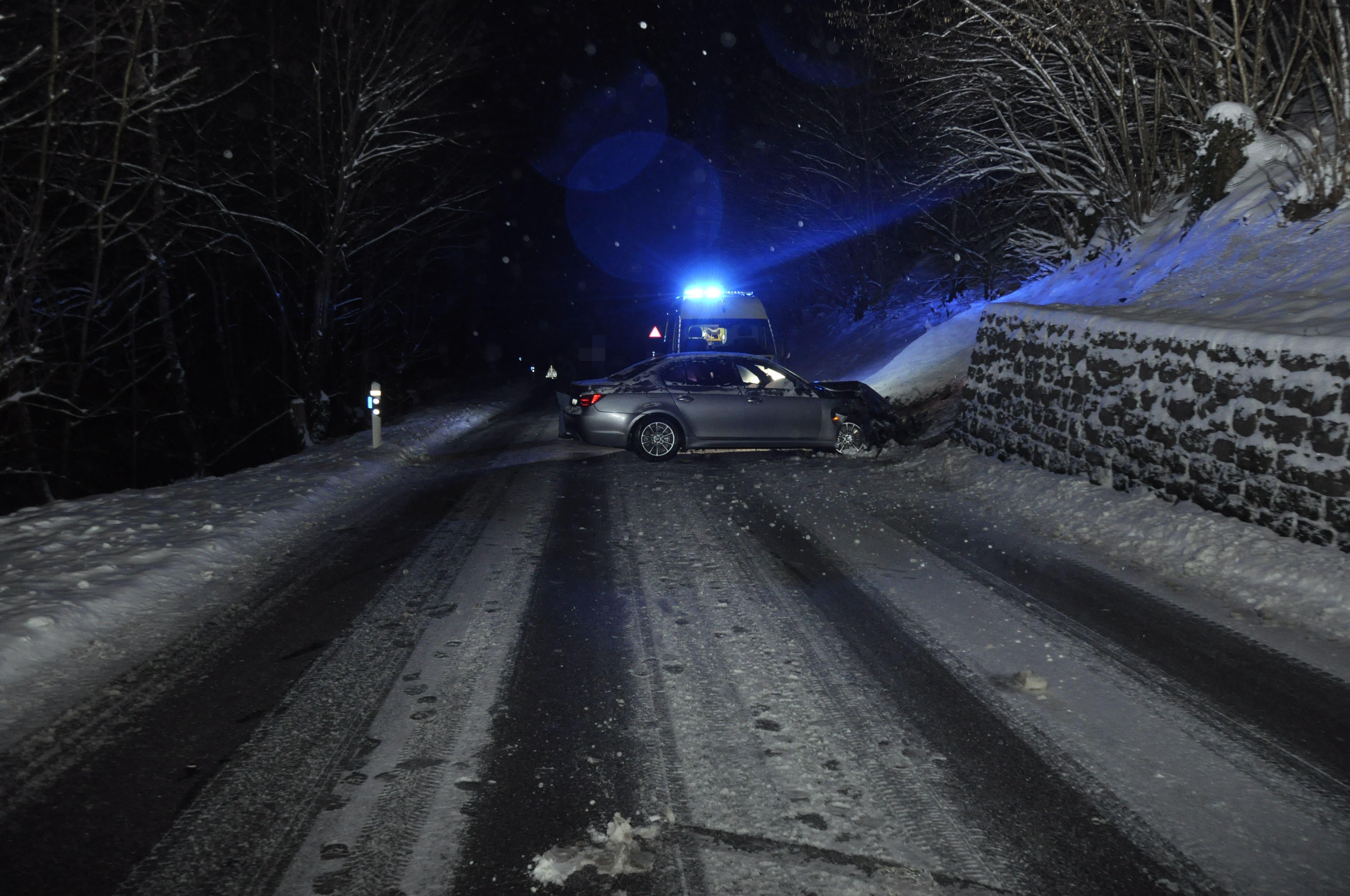 Es herrschten winterliche Strassenverhältnisse.