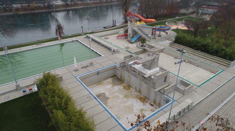 Knapp 420'000 Frankenkostet die Sanierung desSprungbeckens (Bruno Kissling/Archiv)