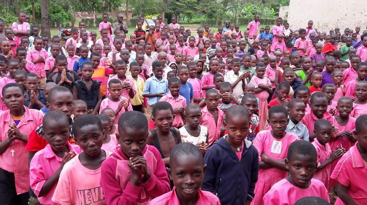 900 Schüler der grössten Schule in Kiwenda sollen i nden genuss einers Sammeltank für Regenwasser kommen. (zvg)