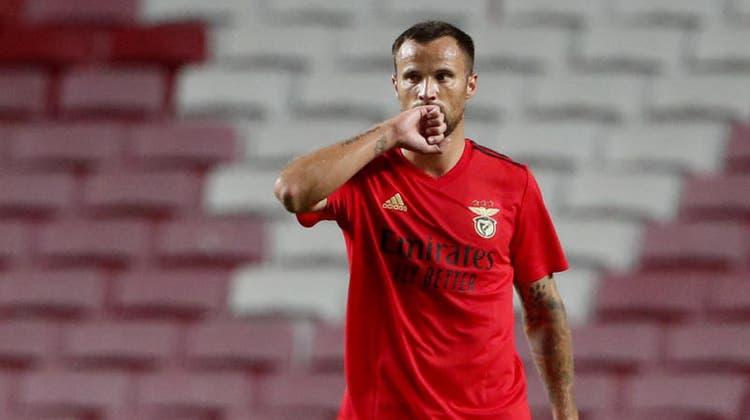 So reist Haris Seferovic in Corona-Zeiten mit Benfica nach Italien