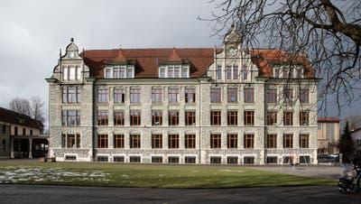 Das Schulhaus Maihof in der Stadt Luzern. (Bild: Manuela Jans-Koch (Luzern, 29. Januar 2021))