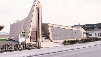 Bisher ist vom Innovationspark Zürich auf dem Gelände des Militärflugplatzes Dübendorf nur der auffällige Informationspavillon aus Holz realisiert worden. (Archivbild) (Christian Beutler)