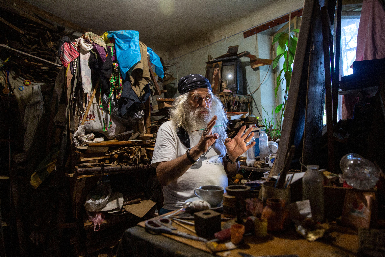 Der ukrainische Künstler Lew in seinem Atelier in Drohobytsch.