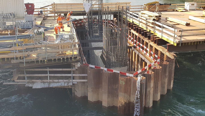 Baustelle neue Aarebrücke: Man sieht den Pfeiler bereits. (Nadja Rohner)