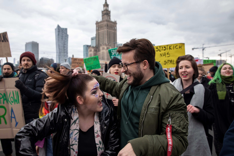 Bart Staszewski (rechts) kämpft für LGBTI-Rechte in Polen.