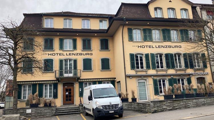 Aus für das Hotel Lenzburg nach 65 Jahren. Die Holenz Immobilien AG schliesst das Haus wegenCovid und verkauft die Liegenschaft. (Ruth Steiner / Aargauer Zeitung)
