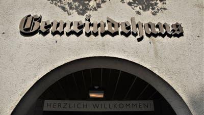 Der Eingang des Sirnacher Gemeindehauses: Der Gemeinderat muss den Stimmbürgern Vorschläge zur Verwendung der Erbschaft machen. (Bild: Olaf Kühne)