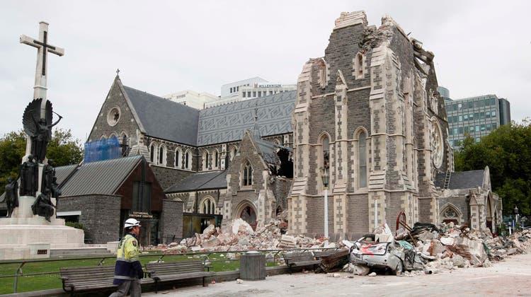 Trümmer auf den Strassen von Christchurch: Vor fast genau 10 Jahren riss ein Erdbeben in der zweitgrössten Stadt Neuseelands 185 Menschen in den Tod. (Bild: AP Photo/Xinhua, Pu Rui)