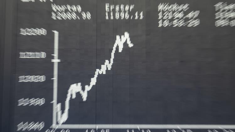 Momentan kennt die Börse vor allem eine Richtung: nach oben. Doch wie lange hält dieser Trend noch an? (Keystone)