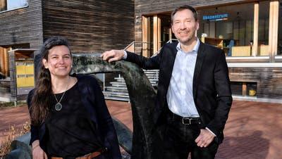 Linda Jucker und Lorenz Ruf leiten die beiden Abteilungen des Ökozentrums: Sie ist für Bildung und Gesellschaft, er für Forschung und Entwicklung verantwortlich. (Bild: Kenneth Nars)