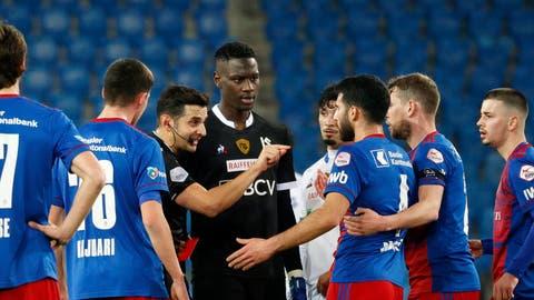 Freude über einen Punkt beim FC Basel. Eigentlich ungewöhnlich nach einem Heimspiel gegen Aufsteiger Lausanne, doch bei diesem Spielverlauf durchaus angebracht. (Urs Flueeler / KEYSTONE)