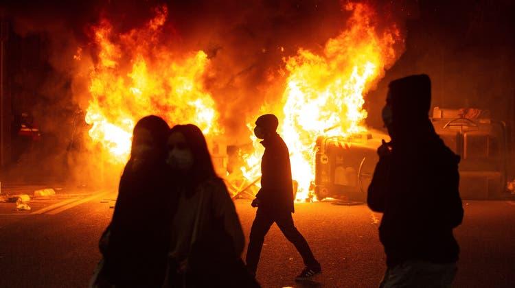 Spanien brennt. Und das lichterloh. (Enric Fontcuberta / EPA)